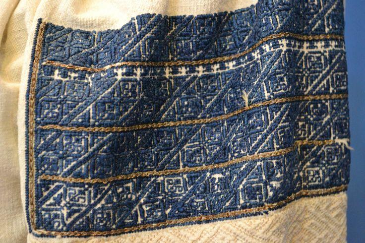 Romanian blouse - ie - detail. Altita.