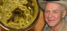 Im Jahr 2003 heilte sich Rick Simpson selbst von Hautkrebs mit Cannabisöl. Das ist das Rezept, das er perfektionierte und anderen empfiehlt, die sich ganzheitlich heilen wollen. Eines Tages wird jeder den Namen 'Rick Simpson' kennen. Warum? Laut Quellen, entdeckte der Mann die Heilung für...
