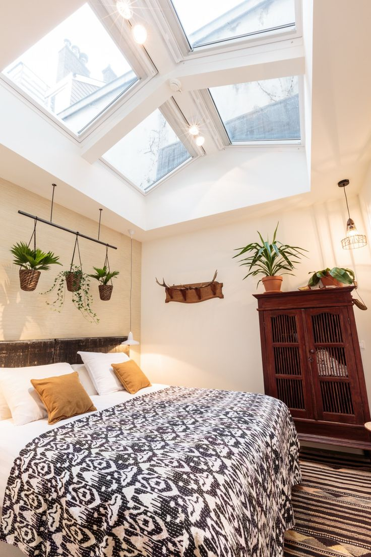 Bedroom with skylight in Hotel Dwars - Amsterdam