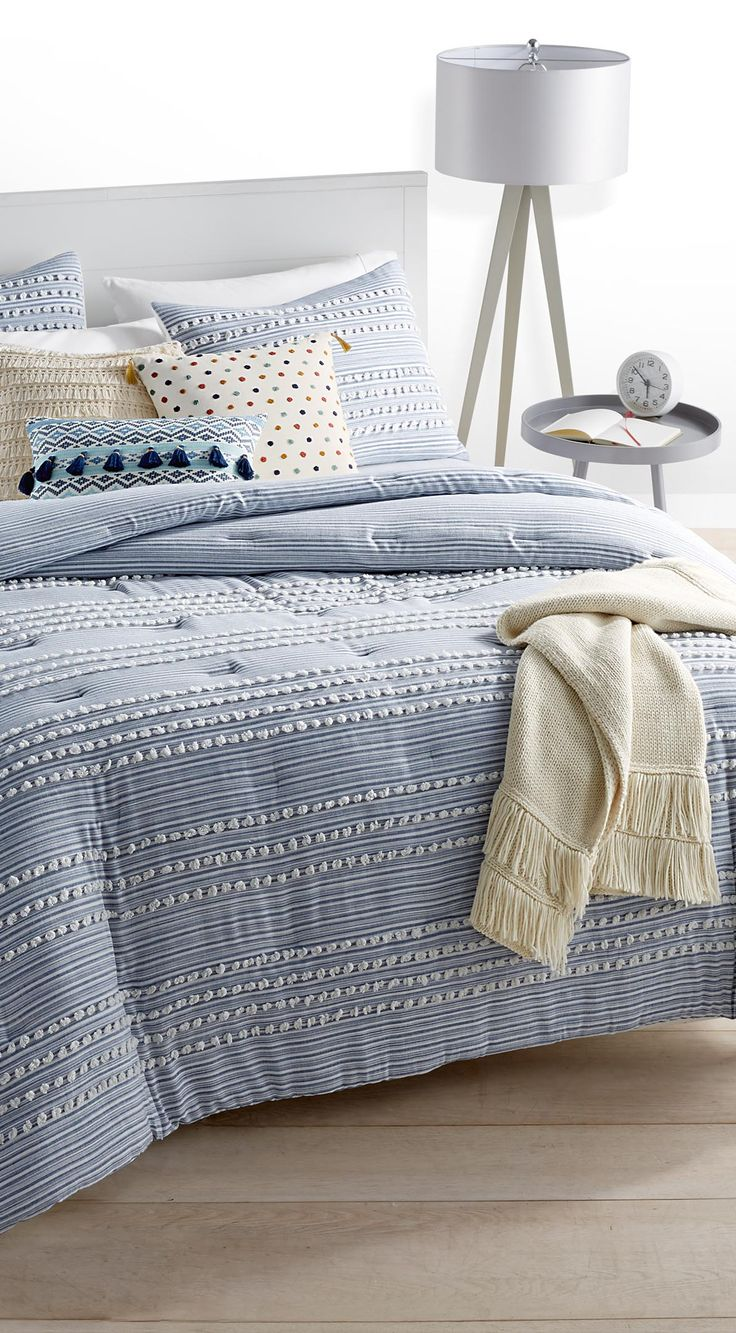 Throws And Decorative Pillows Are A Great Way To Give A Fresh Look To Your Existing Bedding Shop This Look From The Martha Stewart Collection At