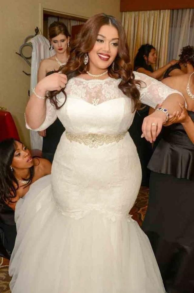 2016 Place Wedding Plus Size Sheer Crew Neck 1 2 Sleeves Lace Flowers Bateau