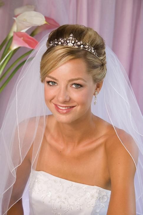 Wedding Hairstyles For Short Hair With Tiara And Veil Www Pixshark Com Images Galleries With