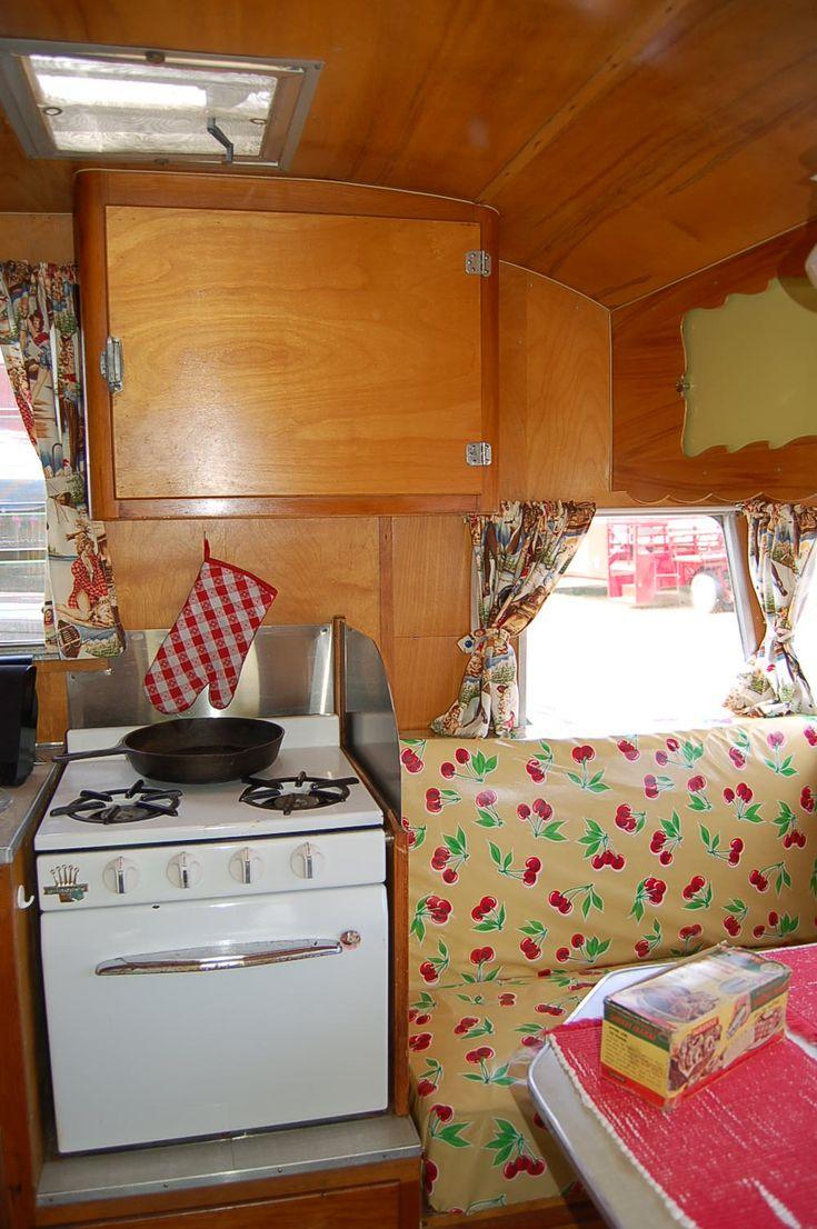 1093 best images about cute campers and trailers on pinterest retro campers vintage caravans. Black Bedroom Furniture Sets. Home Design Ideas