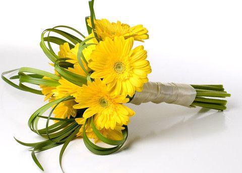 Savvyish - Simple, Stylish, Wedding Flowers. - Yellow Gerbera Daisies - Bouquet
