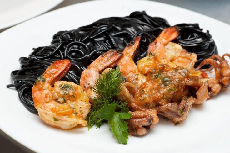 Schwarze Spaghetti mit Garnelen