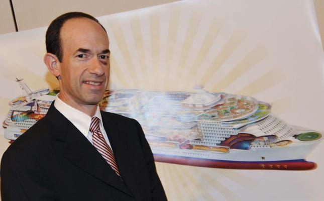 "Adam Goldstein (Royal Caribbean) premiato con il ""Seatrade Mediterranean Personality of the year 2014"""