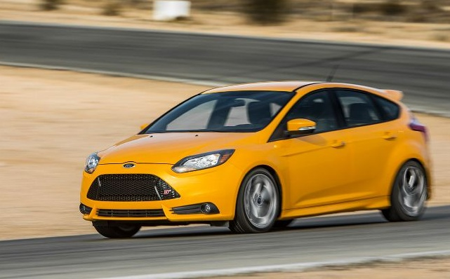 Ford Focus 2013 Details - I'd have liked this 2013 Ford Focus ST a good deal a lot more after I was 19 a long time previous. I grew up with very hot hatches, commuting in them. http://myautocarzone.com/fast-yellow-2013-ford-focus-test/