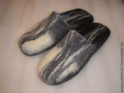 """Обувь ручной работы. Ярмарка Мастеров - ручная работа. Купить валяные тапочки """" Линии"""". Handmade. Чёрно-белый"""