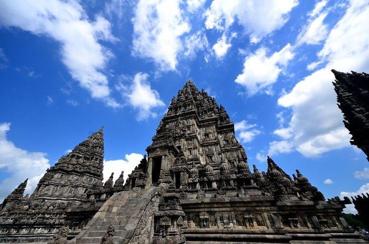 インドネシアに聳える世界遺産!プランバナン寺院でジャワ建築の最高傑作を堪能する!   インドネシア   Travel.jp[たびねす]