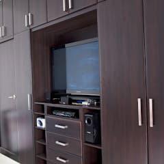Vestidores: Vestidores y closets de estilo moderno por Amarillo Interiorismo