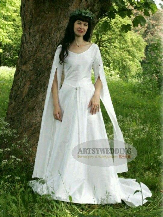 139 best Celtic Wedding Dresses images on Pinterest | Medieval dress ...