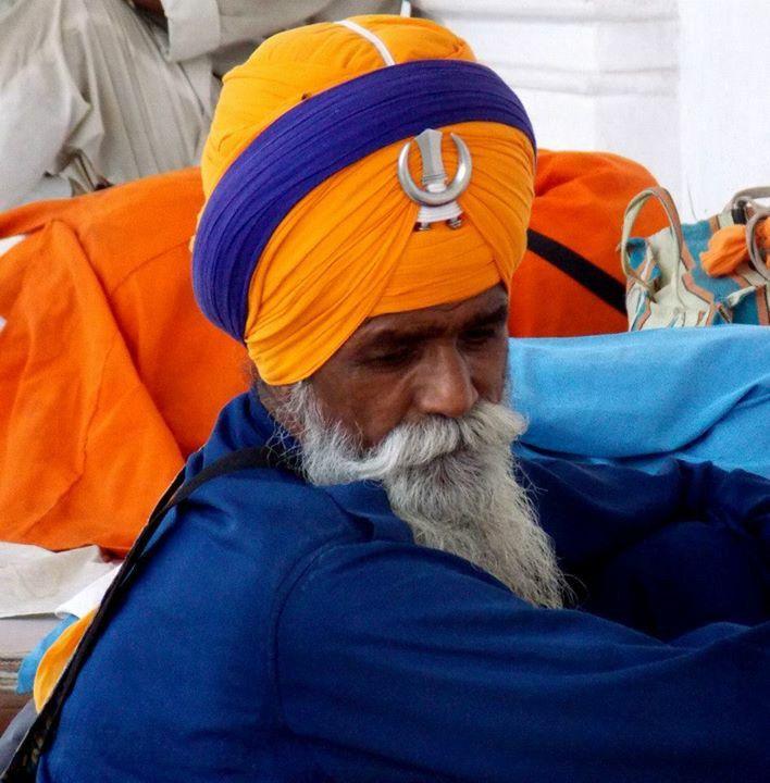 #India #sikht #orange #blue #photography ©Giorgia Pezzoni