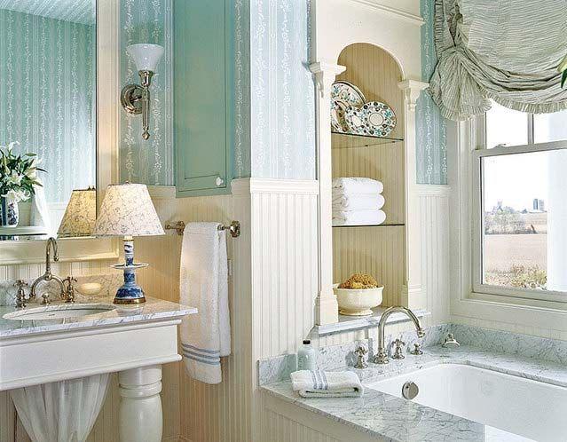 Окно в ванной комнате – большое преимущество!