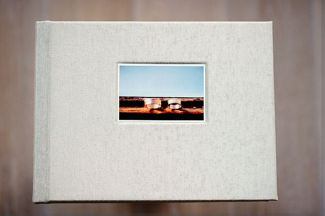 wedding album by www.wesleynulens.com  9x12 inch, 56 pages  cover : 'platinum' Japanese book cloth (Leather Craftsmen)