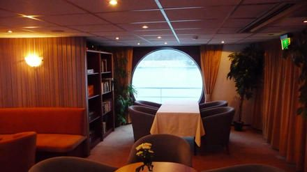 Comfortable seating and lounging area. River cruiser MPS Verdi.
