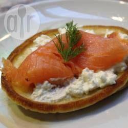 Blinis et saumon fumé à l'aneth @ allrecipes.fr