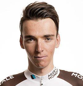 Romain Bardet Fer de lance de la nouvelle génération de cyclistes français, l'Auvergnat Romain Bardet est en pleine ascension. A 24 ans, celui qui affectionne les courses classiques tels le Milan-San Remo ou le Liège-Bastogne-Liège, a déjà connu deux Tours de France, signant une superbe 6ème place en 2014. Et lorsque sa carrière le lui permet, le natif de Brioude vient se ressourcer dans la région qui a vu naître ce futur champion.