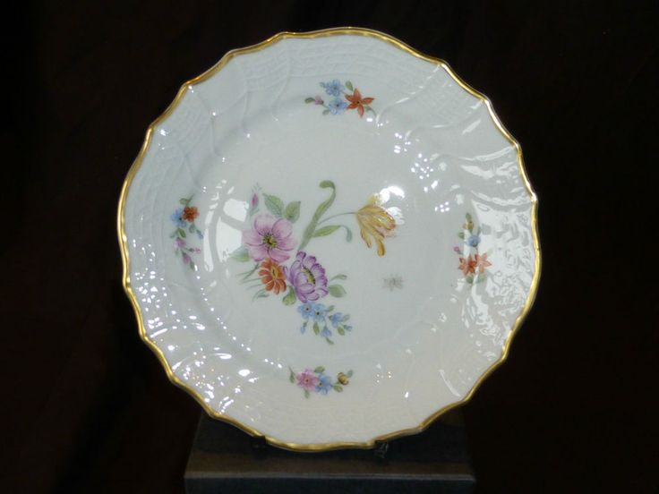 Hutschenreuther, Dresden, German Porcelain Decorative plate.
