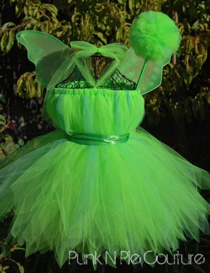 Tinkerbell Outfit? I could even do one in light blue for periwinkle!!