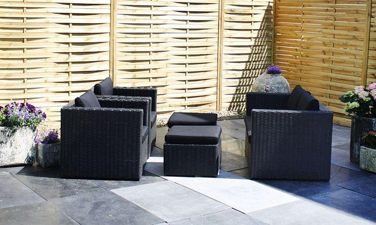 De #loungeset Midas is een van de mooiere sets in onze collectie. De prijs - kwaliteit verhouding is optimaal. Iedereen kan altijd lekker #loungen op deze set. Deze loungeset word geleverd in de kleur Sanded Black, met bijbehorende zwarte kleurige kussens.