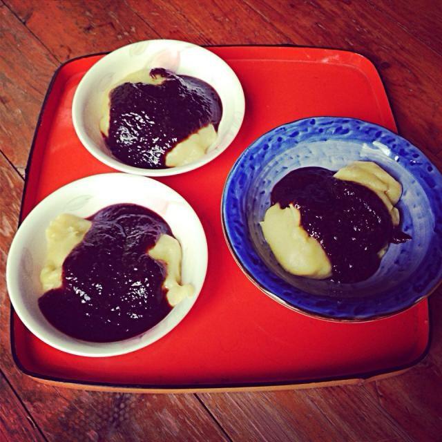 正月の餅をつくときに最後に芋を混ぜ込んだ餅を作ります。 からいもんだご、もしくは、ねったぼ。  あんこをまぶして、いただきます。 - 9件のもぐもぐ - ねったぼ。 by hiromiyamashita