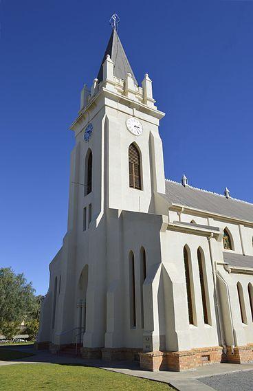 Die NG kerk Britstown se hoeksteen is in 1892 gelê. Die bouwerk het sowat vier jaar geduur sodat die kerk eers in 1896 ingewy is. Die argitek was George Murray Alexander (1851–1904), wat na Suid-Afrika geëmigreer het uit Skotland.[20]