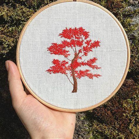 Petit érable japonais ensoleillé  . . . . . . . . . . . . . . #erablejaponais #japanesemaple #garden #tree #arbre #spring #jardin #printemps #hoopart #hoopembroidery #draw #dessin #handembroidery #embroidery #embroideryart #broderie #broderiemain #handmade #faitmain #brodeuse #embroiderer #embroidered #bordado #madeinfrance #delphil #tatoueusedetissu #modernembroidery #contemporaryembroidery #embroideryinstaguild #embroiderylovers