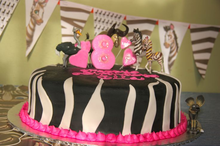 1 st Khumba birthday CAKE ever!  Seen the movie yet? This fan was clearly inspired! LOVE it!