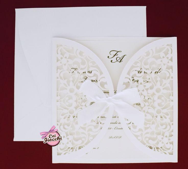 Partecipazione di nozze laser cut per un matrimonio total white <3