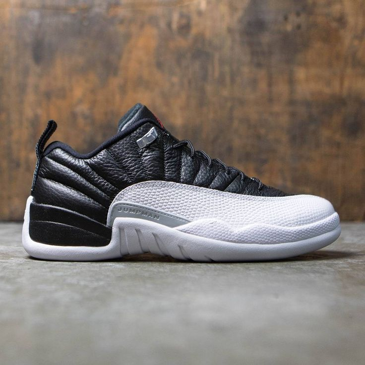 Mens Air Jordan Retro 12 Black White Point shoes