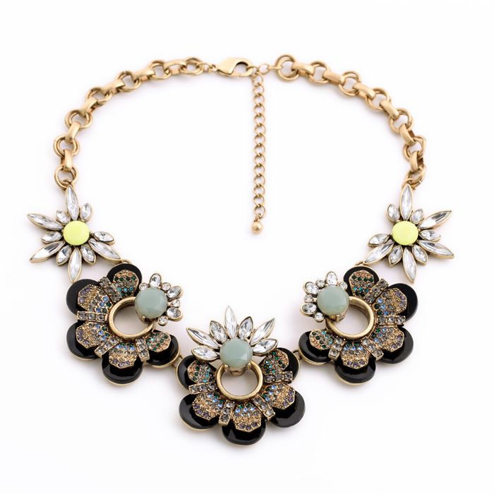 Fashion necklace 2014 New fashion and pure and fresh and contracted luxurious crystal set auger female flower necklace