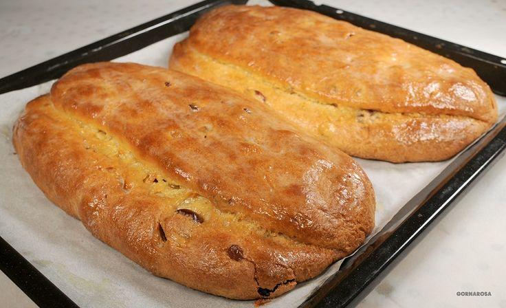 Штоллен — традиционная немецкая выпечка. Наиболее распространенный вид штолленов имеет начинку из изюма и цукатов, хотя популярны также варианты с маком, орехами или марципаном.Этот рецепт быстрог…