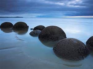 Moeraki Boulders - Bing images