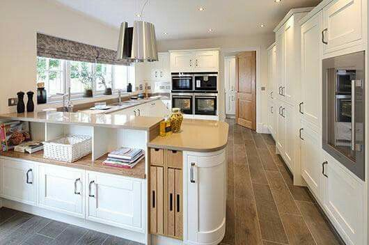 Natural cream and wood kitchen design