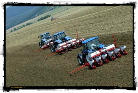 Our week special farming equipment ... The seed drill http://www.agriaffaires.co.uk/used/1/seed-drills.html