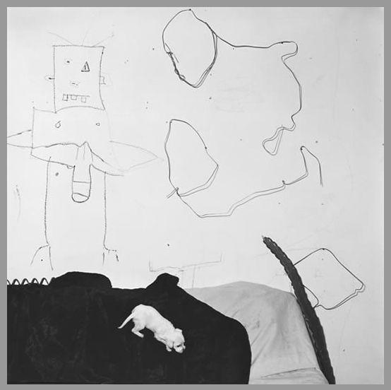 【写真】ロジャー・バレン「アフリカ最貧困家庭のシュールな風景 - 山田視覚芸術研究室 / 近代美術と現代美術の大事典