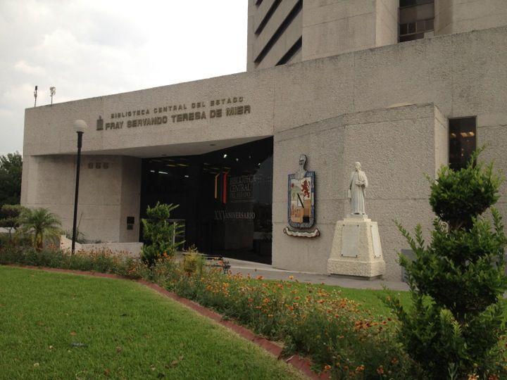 """Biblioteca Central del Estado """"Fray Servando Teresa de Mier"""" en Monterrey, Nuevo León"""
