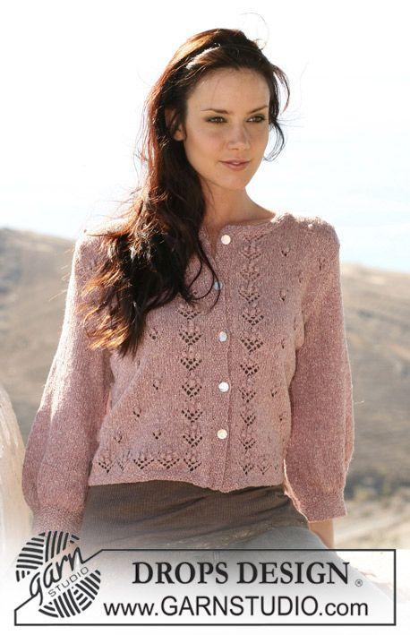 """DROPS Vest met ¾-mouwen en bloemenmotief van """"Silke-Tweed"""". Maat S t/m XXXL. ~ DROPS Design"""