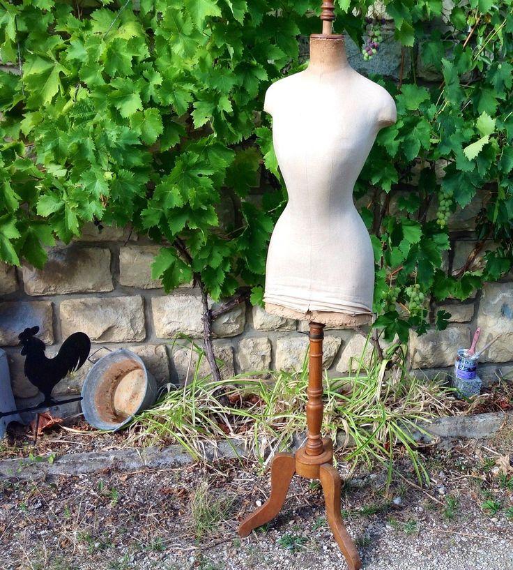 les 74 meilleures images propos de mannequin couture sur pinterest formes de robe vintage. Black Bedroom Furniture Sets. Home Design Ideas
