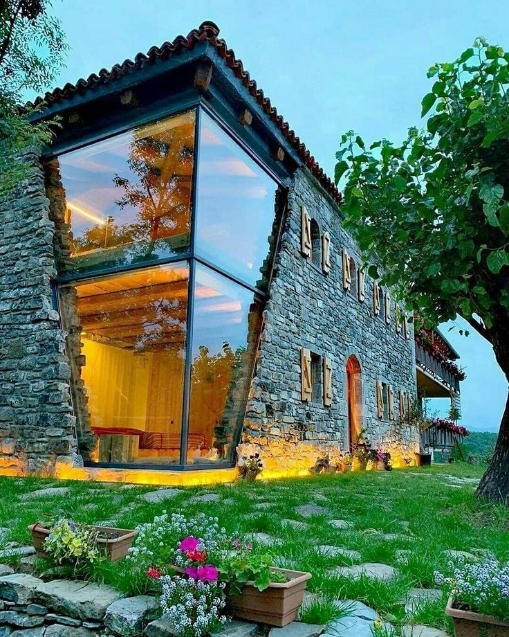 Mrizi i Zanave Gästehaus. Entworfen von Befindet …