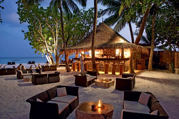 Idyllic Constance Moofushi Resort in Maldives for Lovers of Fine Dining and Relaxation