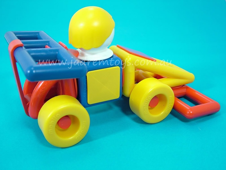Cute little race car made from a few pieces of Mobilo
