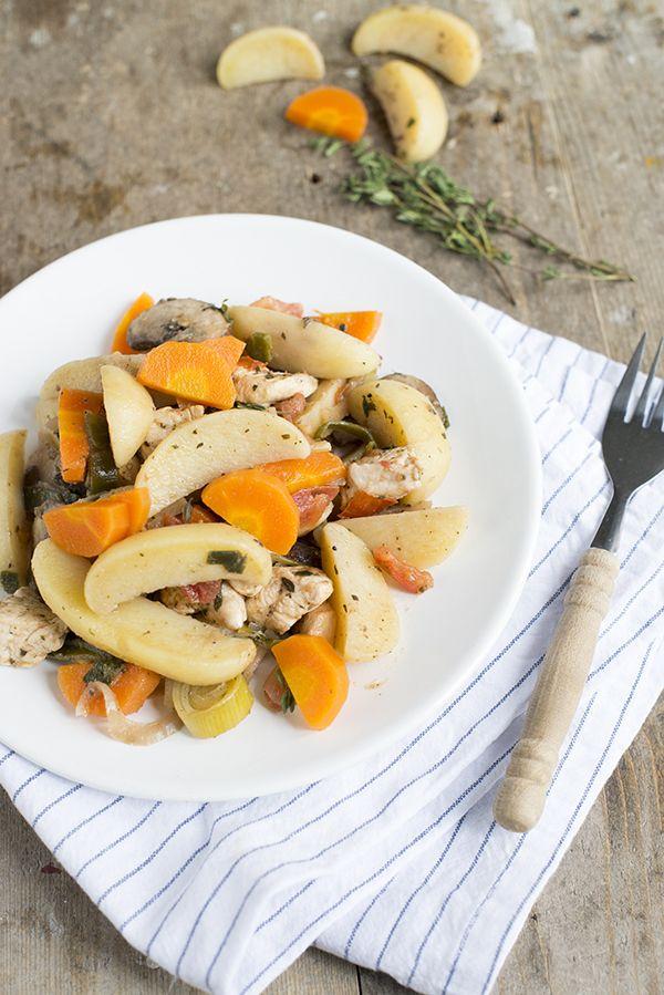 Een lekkere makkelijke maaltijd staat er vandaag op het menu. Een wokschotel van tijm zeezout aardappeltjes met groenten en kipfilet. Altijd goed! We zijn alweer toegekomen aan mijn voorlopig laatste recept voor CêlaVíta. Na de gevulde paprika en de ovenschotel met broccoli (die al door heel veel van jullie gemaakt is, super!) gaan we vandaag... LEES MEER...