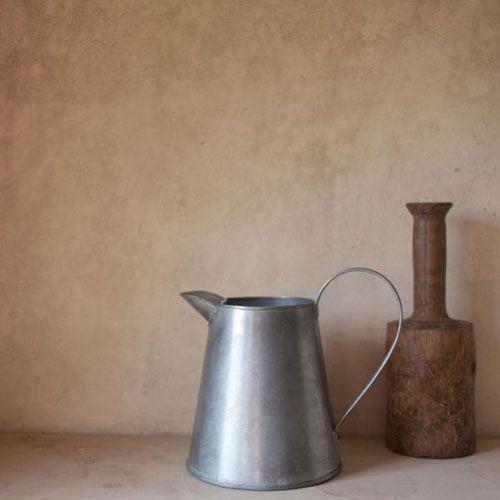 Pichet ou broc en acier galvanisé traité alimentaire Renu Nkuku : Decoclico