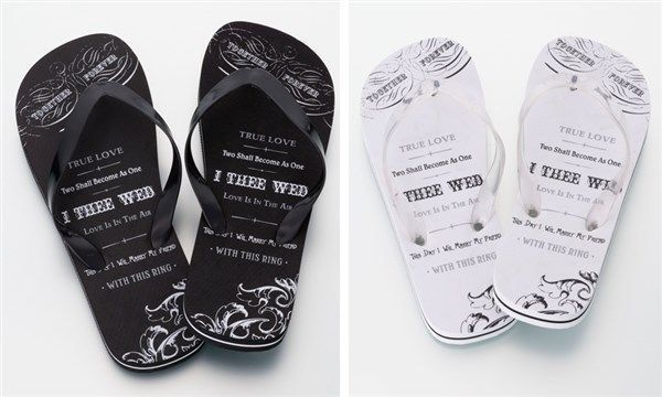 21.38$  Buy here - http://viogb.justgood.pw/vig/item.php?t=wnfzy916833 - 2 pairs Just Married Flip Flops for Bride and Groom Flip Flop Gifts Sandals 21.38$