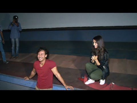 Tiger Shroff & Shraddha Kapoor ENTERTAINS their fans in theatre.