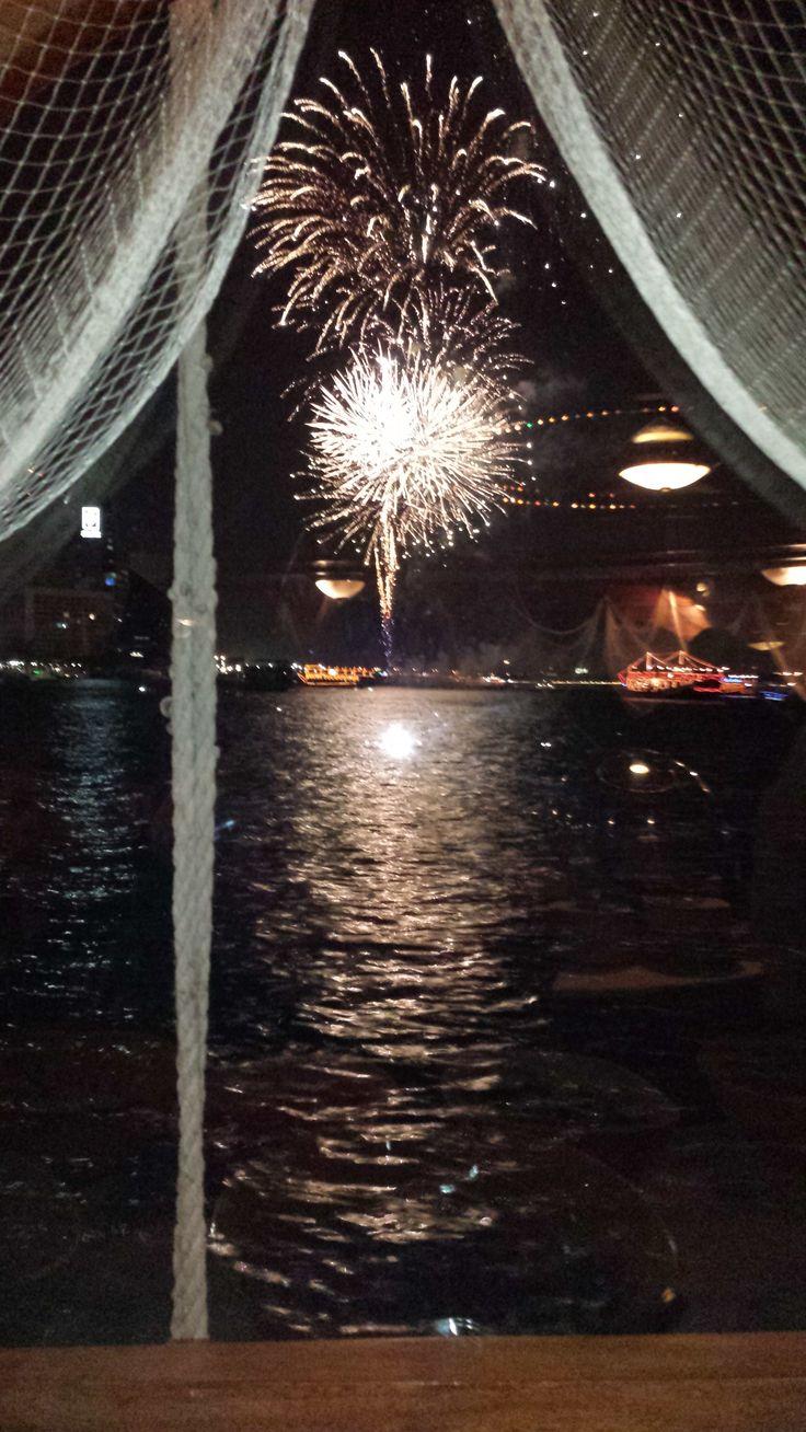 Dubai Creek Dhow Dinner Cruise, en härlig båttur med middag. God mat och underhållning!