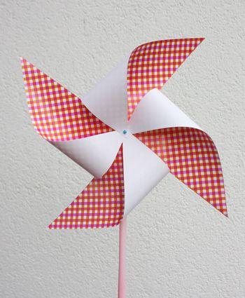 #windmolen maken, makkelijk met een rietje en een speld... #knutselen #zomer…