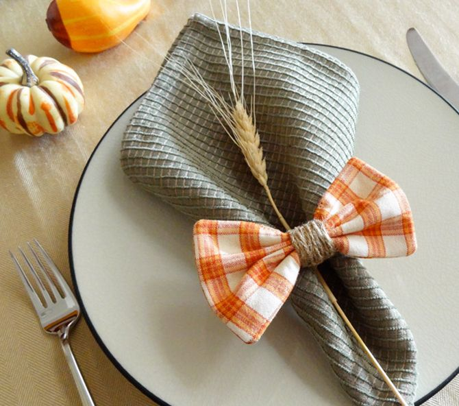 DIY Bow Napkin Rings....cute for Father's Day lunch!