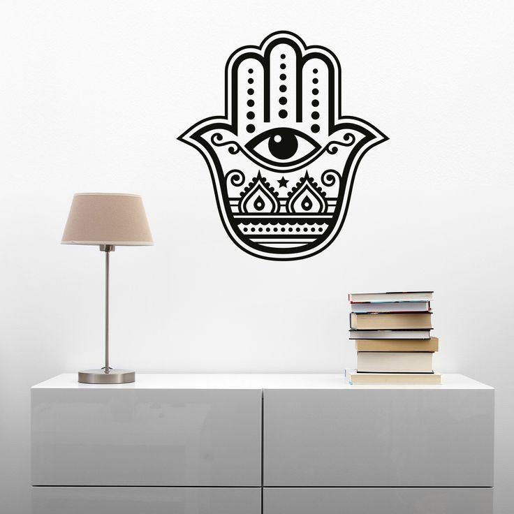 Dekoratives und schützendes Wandtattoo Die Hand der Fatima auch Hamsa genannt, gilt als universell schützend und als wirksamste Abwehrmaßnahme im Kampf gegen die Dschinn und den Bösen Blick.  Als modisches Accessoire kommt die Hand der Fatima auch ohne eigentliche Bedeutung aus. Doch für diejenigen die an die Kraft der Hamsa glauben, steht das Symbol für Gesundheit, Glück, Schutz vor dem Bösen und Frieden und Seligkeit.
